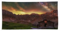 Hand Towel featuring the photograph Mayflower Milky Way by Darren White