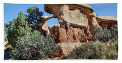 Hand Towel featuring the photograph Metate Arch - Devils Garden by Nikolyn McDonald