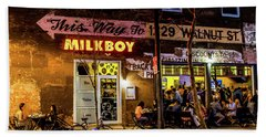 Hand Towel featuring the photograph Milkboy - 1033 by David Sutton