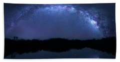 Hand Towel featuring the photograph Milky Way At Mrazek Pond by Mark Andrew Thomas