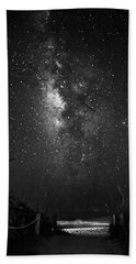 Milky Way Over Beach Access In Black And White Bath Towel