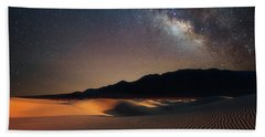Bath Towel featuring the photograph Milky Way Over Mesquite Dunes by Darren White