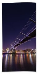 Millennium Bridge At Night  Hand Towel by Mariusz Czajkowski