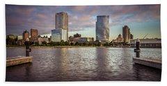 Milwaukee Skyline Bath Towel