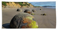 Bath Towel featuring the photograph Moeraki Boulders by Cheryl Strahl