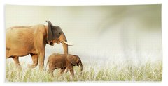 Mom And Baby Elephant Walking Through Tall Grass Hand Towel