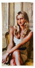 Mona Lisa Blond And Modern Hand Towel