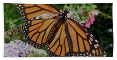 Hand Towel featuring the photograph Monarch Butterfly by Melinda Saminski