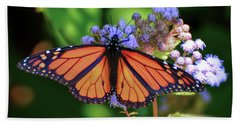 Hand Towel featuring the photograph Monarch In The Mist by Kerri Farley