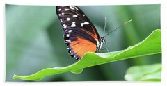 Monarch On Green Leaf Bath Towel