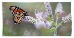 Hand Towel featuring the photograph Monarch On Mint 1 by Lori Deiter