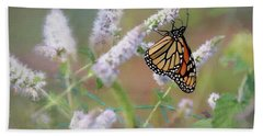 Hand Towel featuring the photograph Monarch On Mint 2 by Lori Deiter