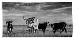 Hand Towel featuring the photograph Moo by Karen Slagle