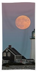 Moon Rise Over Scituate Bath Towel by Stephen Flint