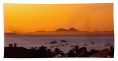 Hand Towel featuring the photograph Morning Mist by Scott Carruthers
