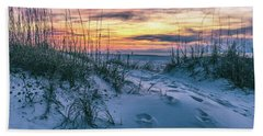 Bath Towel featuring the photograph Morning Sunrise At The Beach by John McGraw