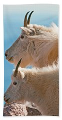 Bath Towel featuring the photograph Mountain Goats by Gary Lengyel