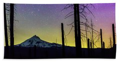 Bath Towel featuring the photograph Mt. Jefferson Bathed In Auroral Light by Cat Connor