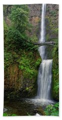 Hand Towel featuring the photograph Multnoma Falls by Jonathan Davison