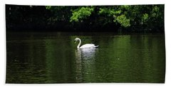 Hand Towel featuring the photograph Mute Swan by Sandy Keeton
