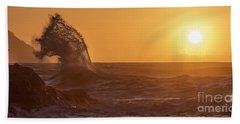 Napali Coast Kauai Hawaii Wave Explosion Iv Bath Towel