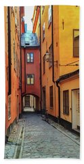 Narrow Street In The Old Center Of Stockholm Bath Towel