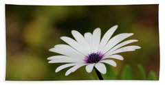 Hand Towel featuring the photograph Natures Pure Beauty 01 by Kevin Chippindall