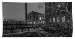 Night At The River 2 In Black And White Bath Towel