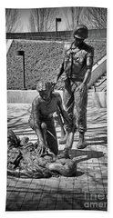 Bath Towel featuring the photograph Nj Vietnam Veterans Memorial by Paul Ward