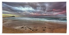 Nobbys Beach At Sunset Bath Towel