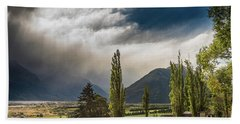 Hand Towel featuring the photograph North Of Glenorchy by Gary Eason
