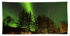 Bath Towel featuring the photograph Northern Lights, Aurora Borealis At Kantishna Lodge In Denali National Park by Brenda Jacobs