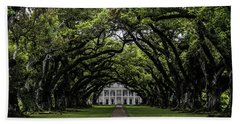 Bath Towel featuring the photograph Oak Alley Plantation, Vacherie, Louisiana by Chris Coffee