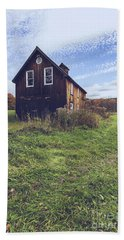 Old Barn Out In A Field Bath Towel