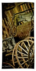 Hand Towel featuring the photograph Old Carriage by Joann Copeland-Paul