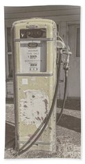 Bath Towel featuring the photograph Old Gas Pump by Robert Bales