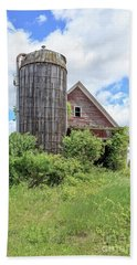 Old Historic Barn In Vermont Hand Towel