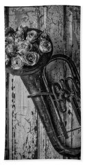 Old Horn And Roses On Door Black And White Hand Towel