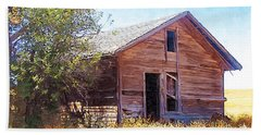 Hand Towel featuring the photograph Old House by Susan Kinney