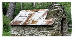 Old Hut Of Early Chinese Settlers In New Zealand Bath Towel