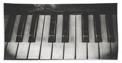 Bath Towel featuring the photograph Old Piano by Sotiris Filippou