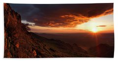 Bath Towel featuring the photograph Oregon Mountains Sunrise by Leland D Howard