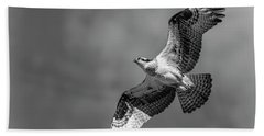 Bath Towel featuring the photograph Osprey 2017-4 by Thomas Young