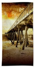 Hand Towel featuring the photograph Pacific Pier by Phil Perkins