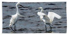 Pair Of Snowy Egrets Bath Towel