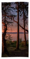 Hand Towel featuring the photograph Path To Paradise by Randy Hall