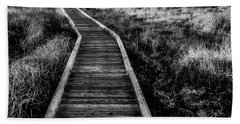 Path To The Sea In Black And White Bath Towel
