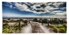 Hand Towel featuring the photograph Pathway To The Beach by Douglas Barnard