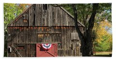 Bath Towel featuring the photograph Patriotic Barn by Nancy De Flon