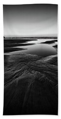 Hand Towel featuring the photograph Patterns In The Sand by Jon Glaser